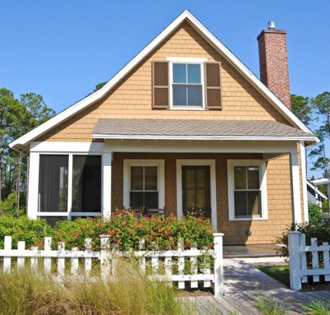 House tan w white picket - Photo small house ...