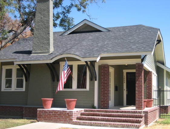 Salado taupe and brick house 562 425 - Small belgian houses brick ...