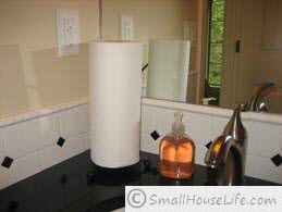Small Bathroom black and white paper towel