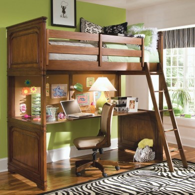 Bunkbed with desk underneath