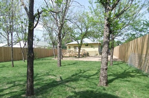 New Braunfels Backyard of Cottage to rent