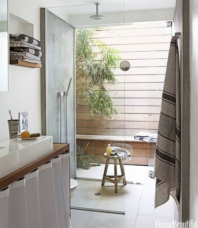 modern small house master bathroom
